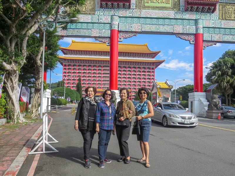 Jenny, Lynn, AiYueh, and Angie at the entry to the Grand Hotel, Taipei